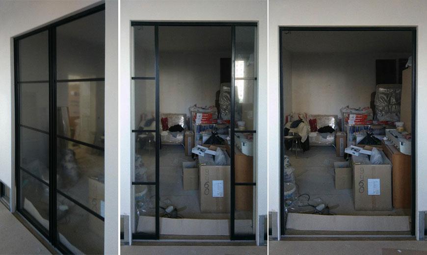 раздвижные двери с въездом внутрь стены